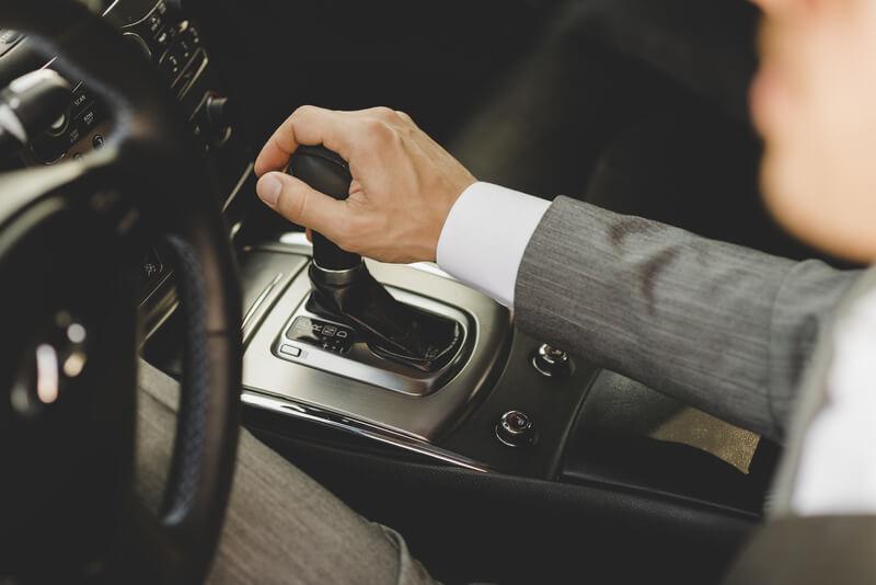 Câmbio automático ou câmbio manual: conheça as vantagens e desvantagens