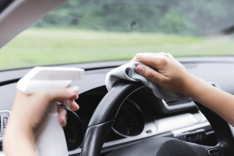 Pesquisa mostra que limpeza interna de carros previne doenças