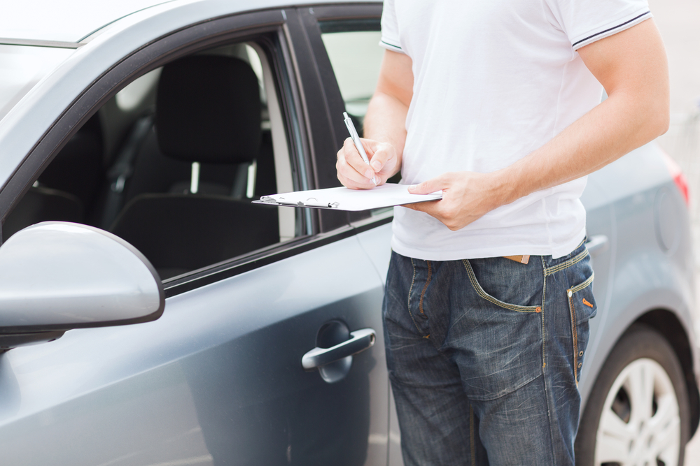 6 cuidados ao procurar carros usados à venda