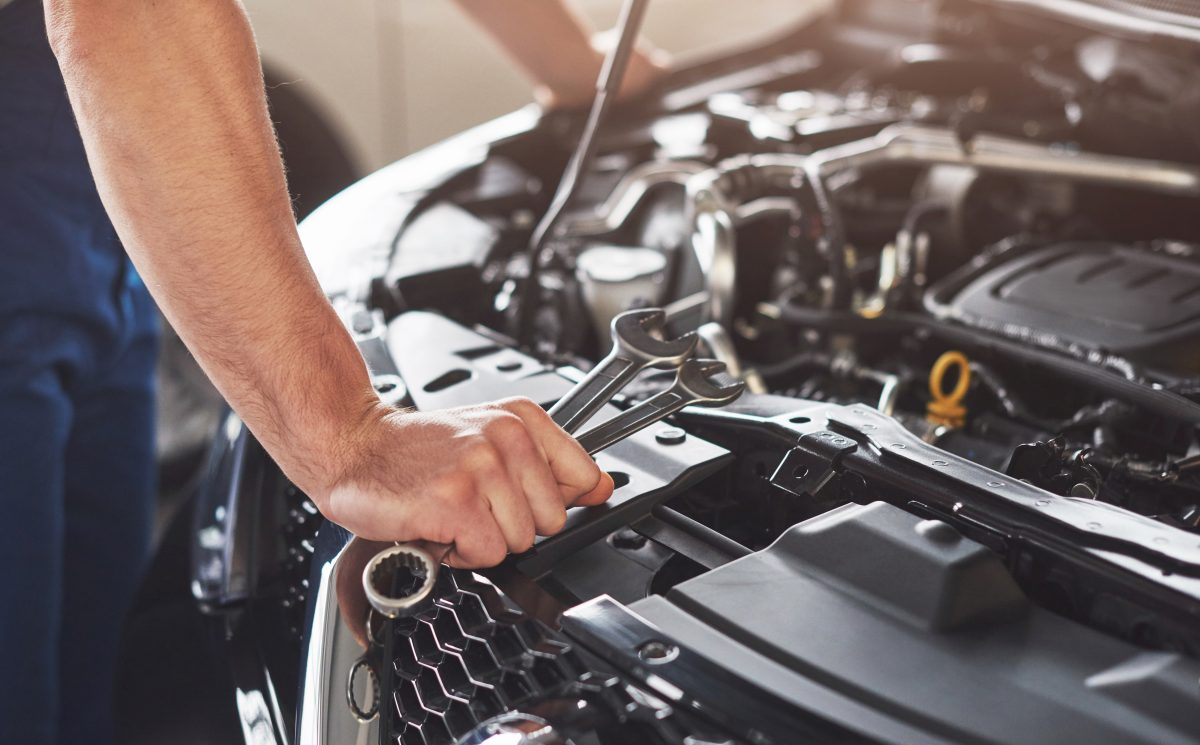 Conheça 4 motivos para não lavar o motor do seu carro