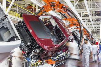Jeep conquista prata no World Class Manufacturing