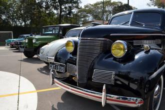 Encontro de carros antigos, em condomínio de Itu
