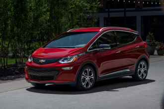 Veículo totalmente elétrico da Chevrolet Bolt EV 2020 chega ao mercado