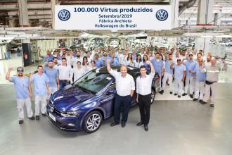 Volkswagen celebra o marco de 100 mil Virtus produzidos