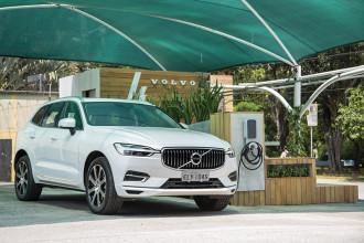 Volvo inaugura estacionamento gratuito para veículos híbridos e elétricos