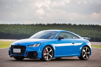 Audi TT RS 2021 chega ao Brasil com visual renovado