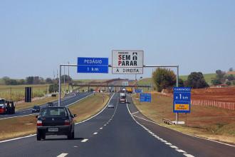 Radares multam excesso de velocidade nos pedágios em SP