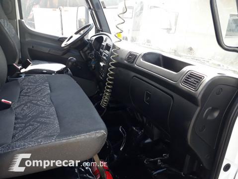 Mercedes-Benz MB ACCELO 1016 2 portas