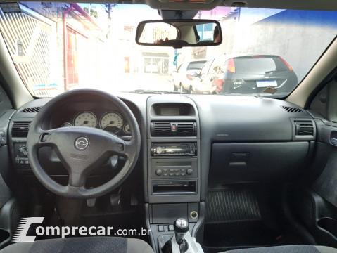 ASTRA 2.0 MPFI Elegance Sedan 8V
